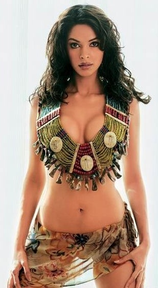 Mallika Sherawat boobs